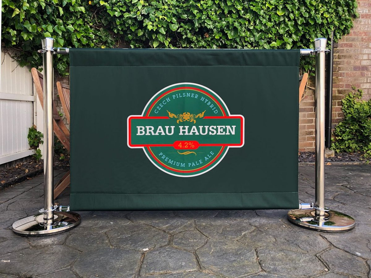 Premium Barrier System with Fabric Banner